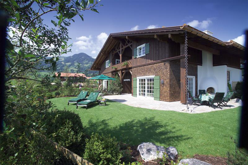 Sonnenalp Resort Spa Golf Außenansicht - Copyright by Sonnenalp Resort Spa Golf Zimmer- Copyright by http://www.sonnenalp.de